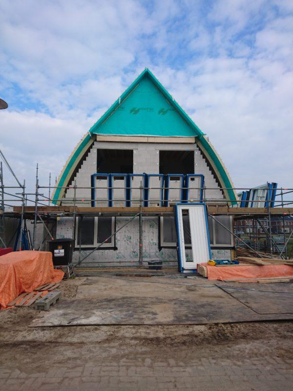 Vrijstaande woning in aanbouw